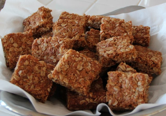 Crunchies - Traditional South African Oatmeal Cookie Bars. www.ornabakes.com