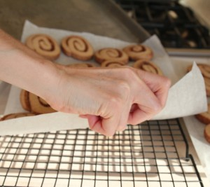 How to transfer cookies on parchment to baking rack