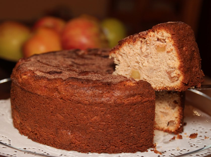 Low Fat Cinnamon Apple Cake - OrnaBakes